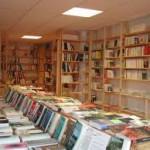 Restez à l'affût des succès de librairie